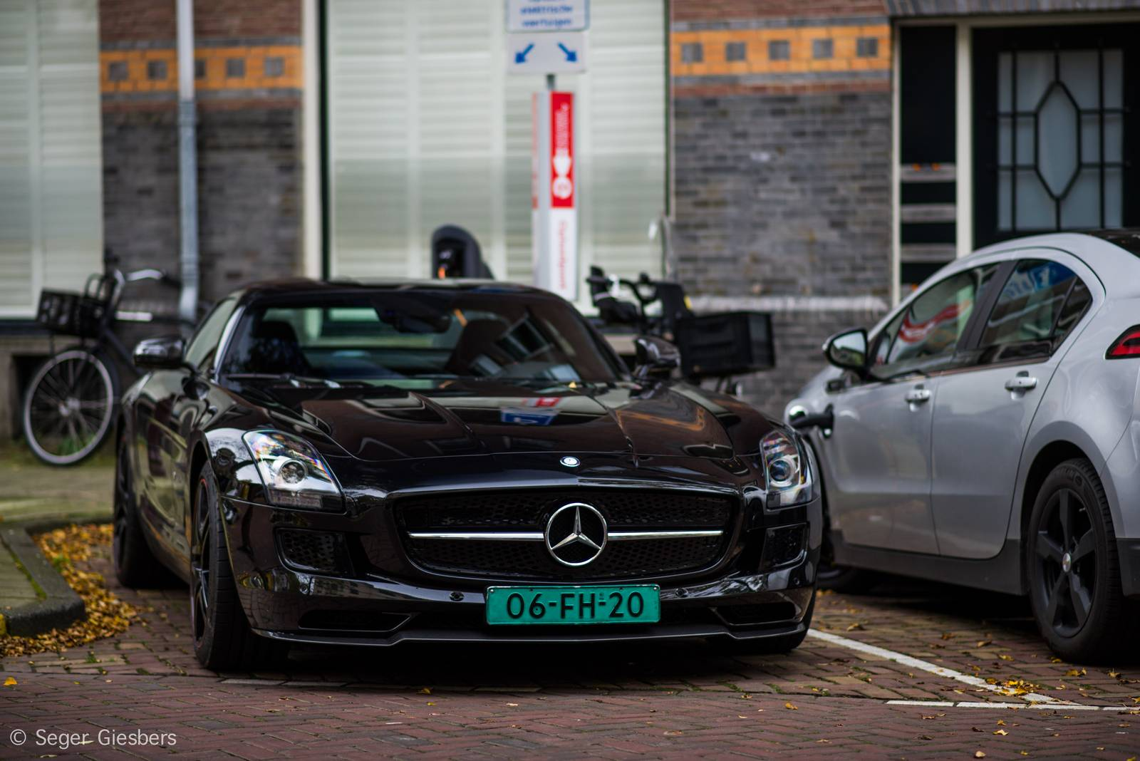 Mercedes benz sls amg electric drive spotted in amsterdam for Mercedes benz sls amg electric drive price