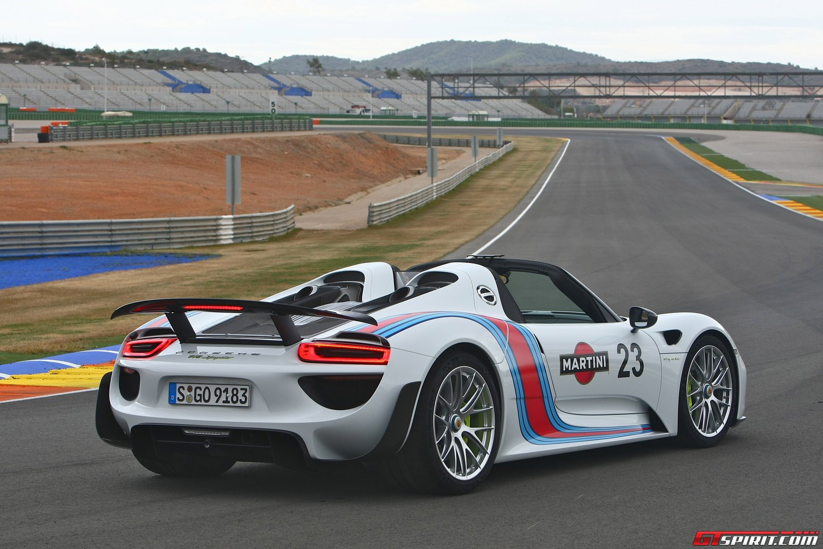 2014 porsche 918 spyder first drive review car and html autos post. Black Bedroom Furniture Sets. Home Design Ideas