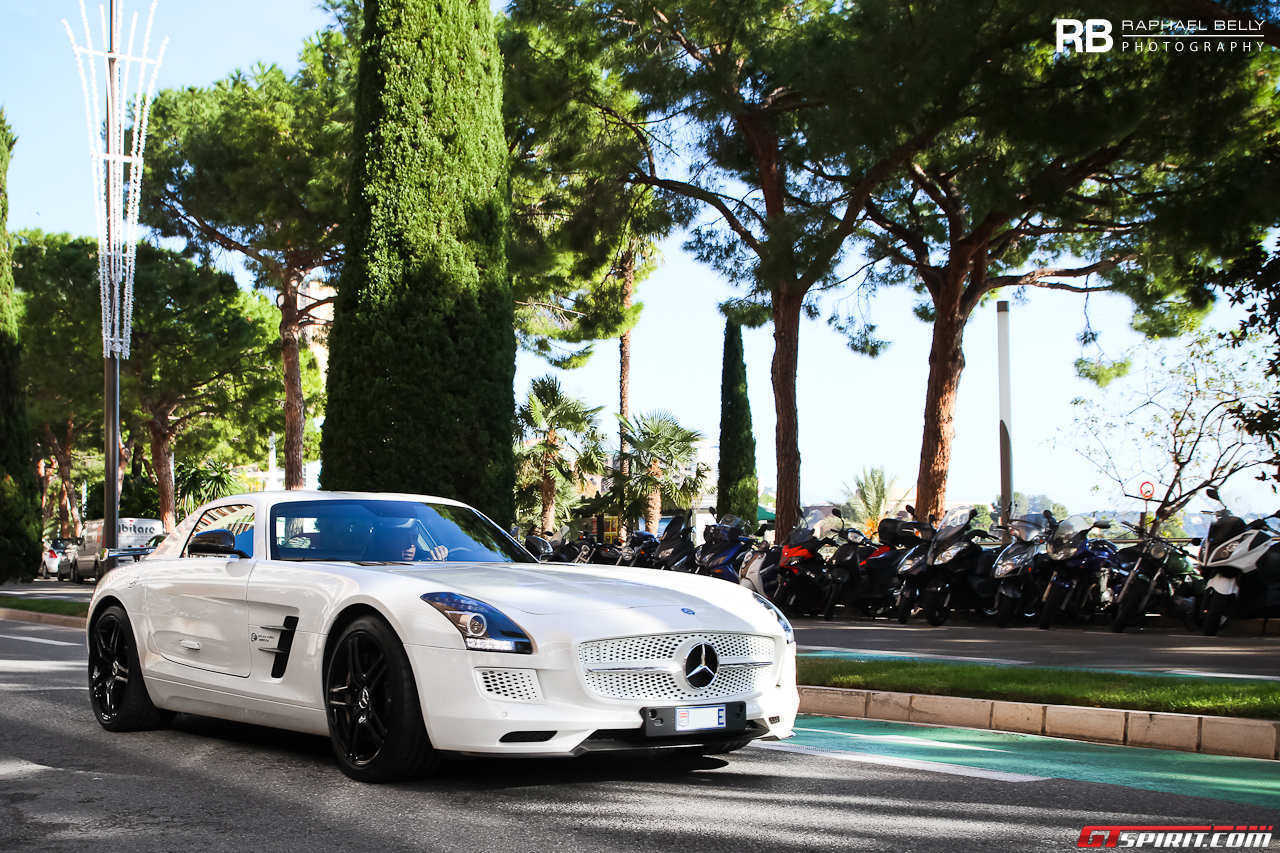 Mercedes benz sls amg electric drive spotted in monaco for Mercedes benz sls amg electric drive price