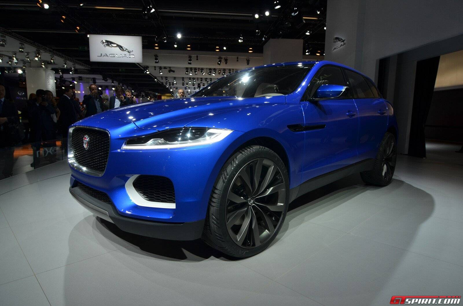 bmw x7 rivalling jaguar j pace suv previewed gtspirit. Black Bedroom Furniture Sets. Home Design Ideas