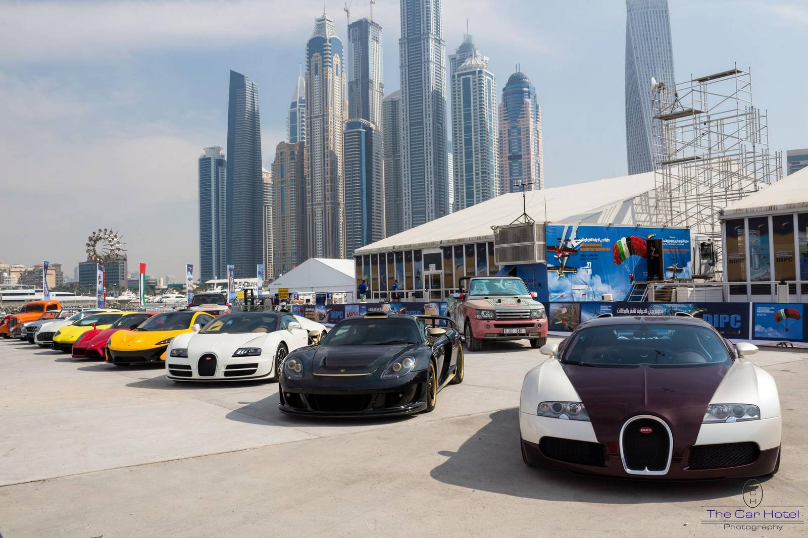 Video: Insane Supercar Lineup In Dubai!