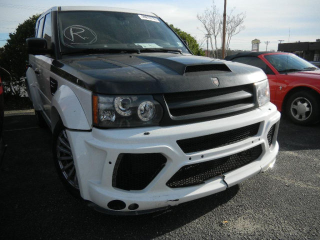 damaged mansory range rover sport for sale for just 25k gtspirit. Black Bedroom Furniture Sets. Home Design Ideas