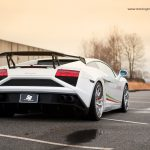 White Lamborghini Gallardo LP560-4 Stuns With PUR Wheels