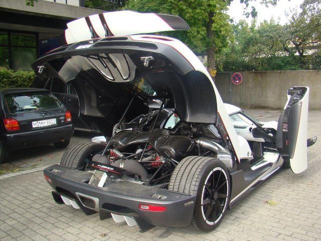 german koenigsegg agera r speed racer for sale gtspirit. Black Bedroom Furniture Sets. Home Design Ideas