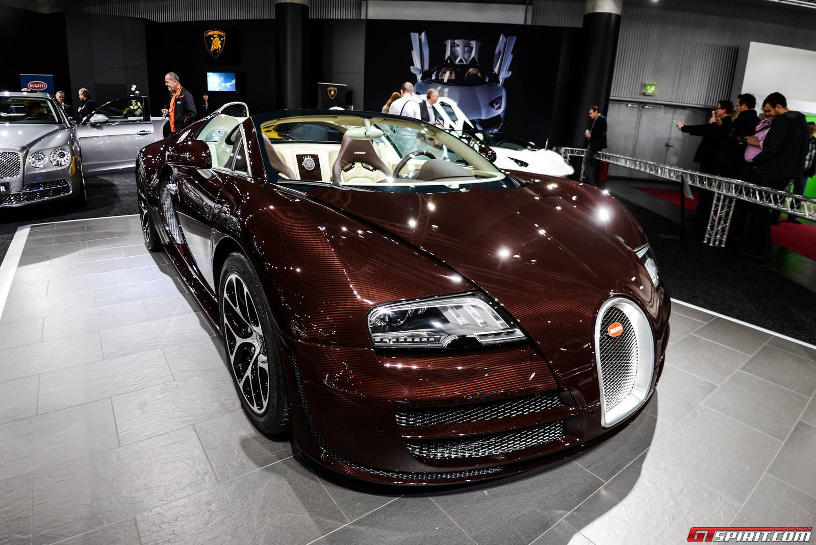 vienna 2014 chocolate carbon fiber bugatti veyron grand. Black Bedroom Furniture Sets. Home Design Ideas