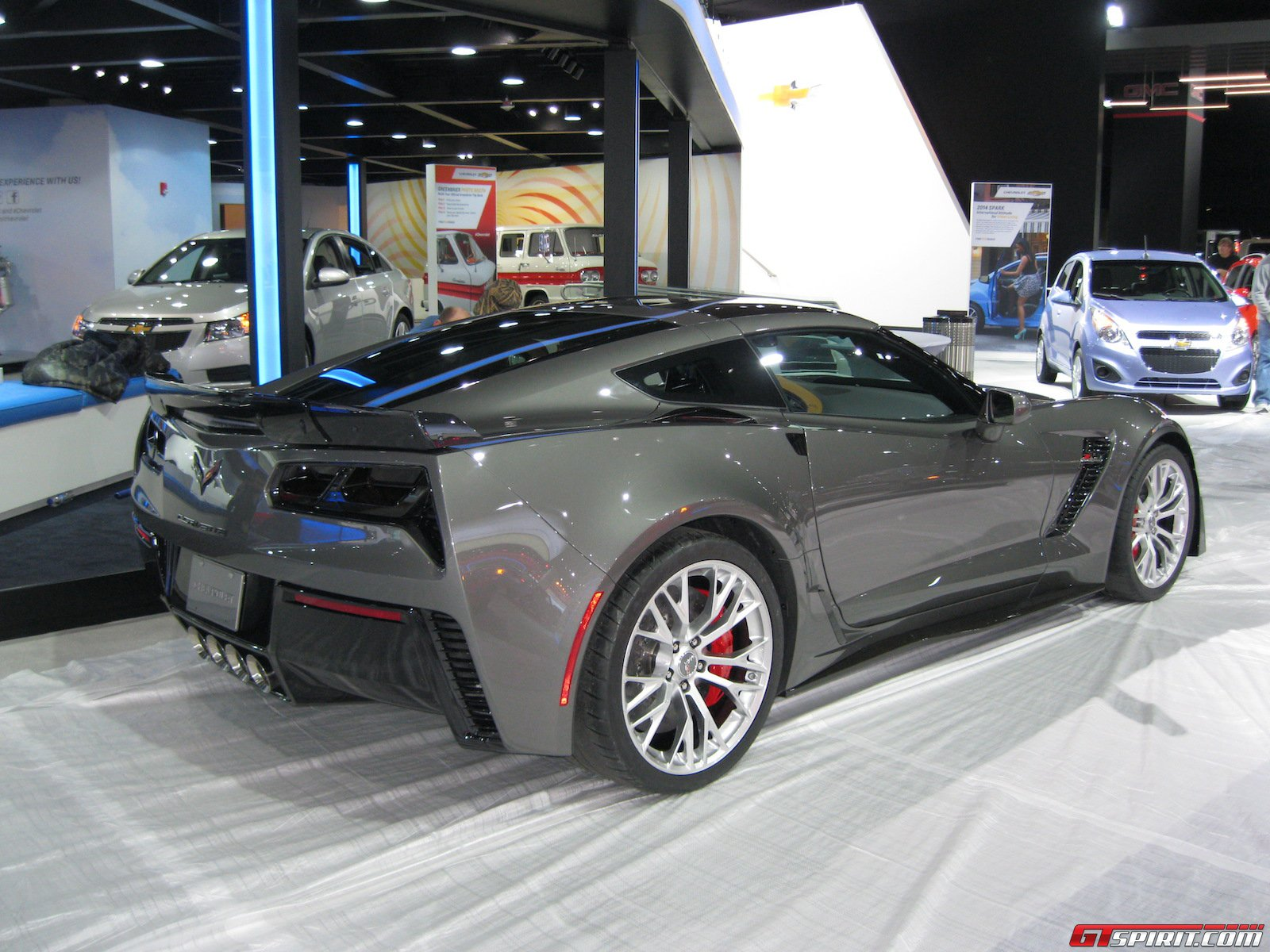 detroit 2014 grey corvette z06 gtspirit. Black Bedroom Furniture Sets. Home Design Ideas