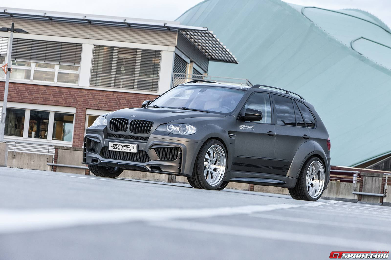 bmw e70 x5 pd5x by prior design photoshoot gtspirit. Black Bedroom Furniture Sets. Home Design Ideas