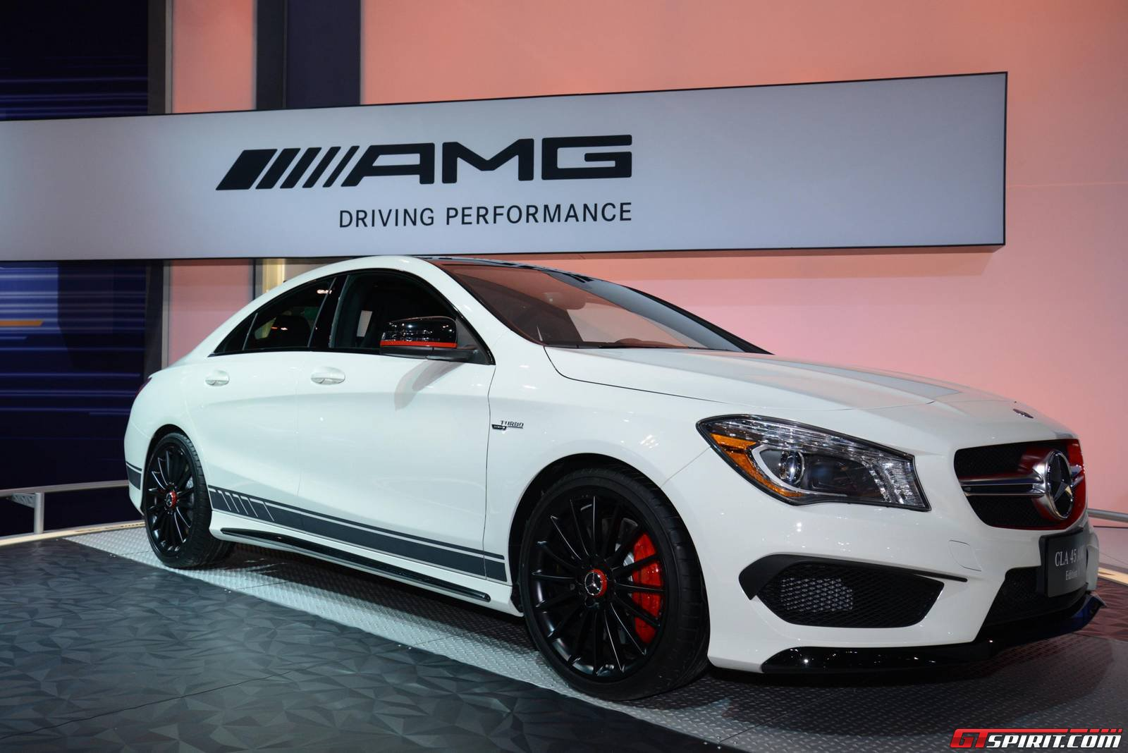 chicago 2014 mercedes benz cla 45 amg gtspirit. Black Bedroom Furniture Sets. Home Design Ideas