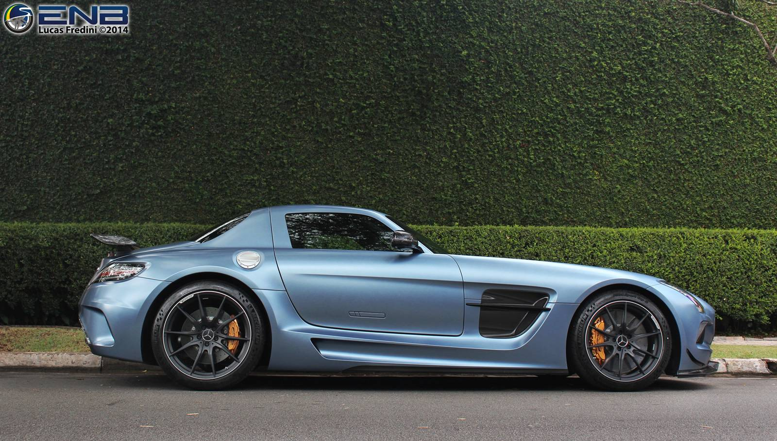 Photo of the day yosemite blue mercedes benz sls amg for Mercedes benz series