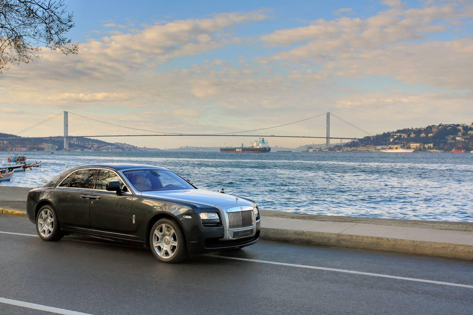 Rolls royce motor cars opens new turkish dealership gtspirit for Rolls royce motor cars