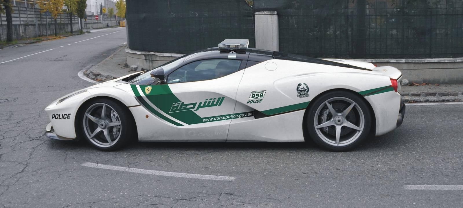 Render Dubai Police Ferrari Laferrari Gtspirit