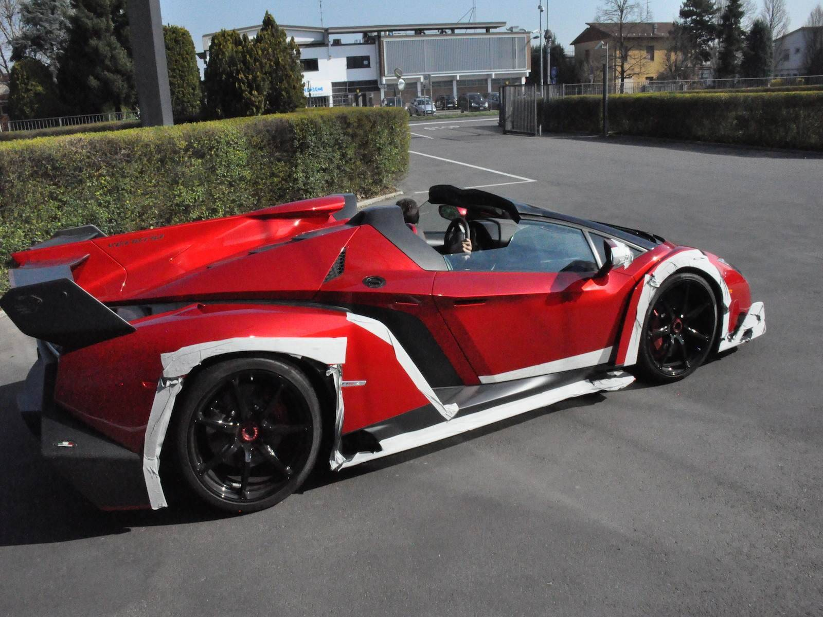 spotted lamborghini veneno roadster outside factory premises gtspirit. Black Bedroom Furniture Sets. Home Design Ideas