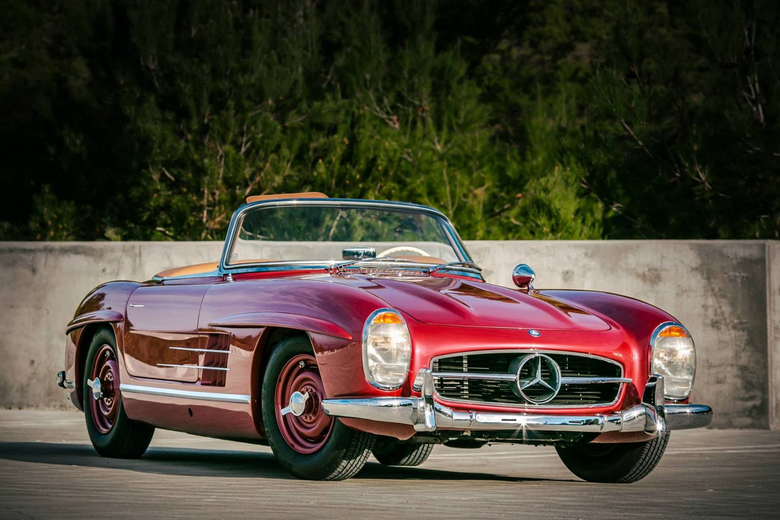 Photo of the day strawberry red 1957 mercedes benz 300 sl for Mercedes benz sl coupe