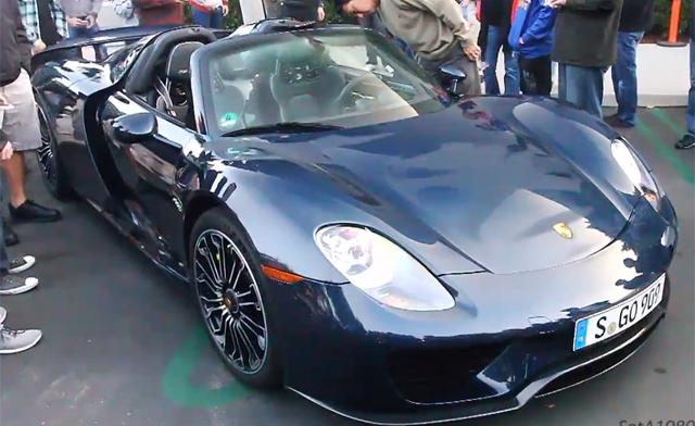 gorgeous blue porsche 918 spyder spotted at cars coffee. Black Bedroom Furniture Sets. Home Design Ideas