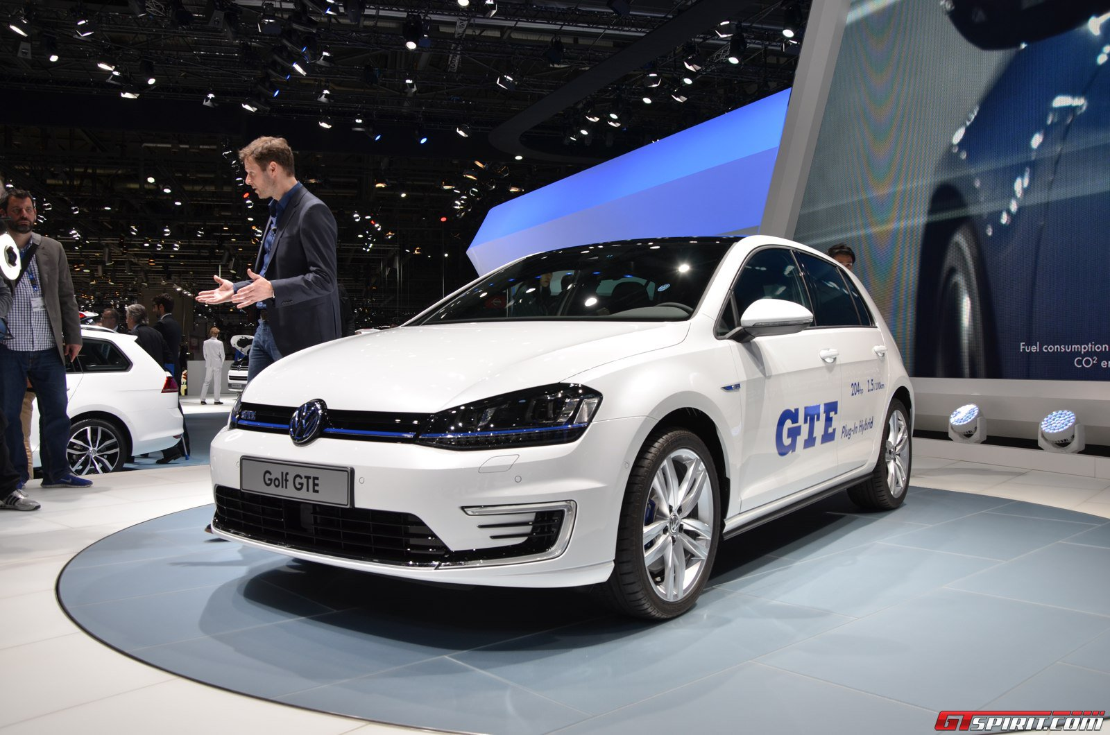 geneva 2014 volkswagen golf gte gtspirit. Black Bedroom Furniture Sets. Home Design Ideas