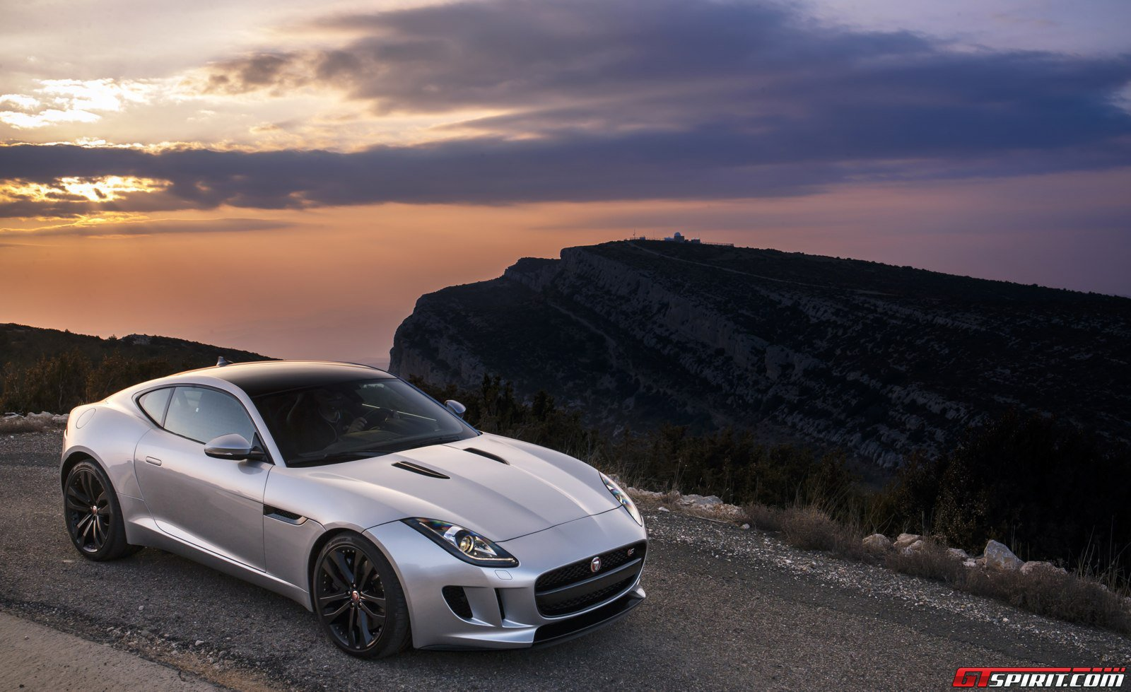 Jaguar Has No Plans For All Wheel Drive Sports Cars