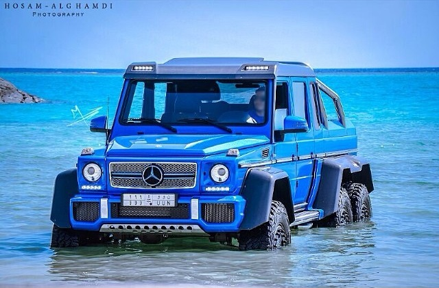 Blue mercedes benz g 63 amg 6x6 in the red sea gtspirit for Mercedes benz g63 6x6 for sale