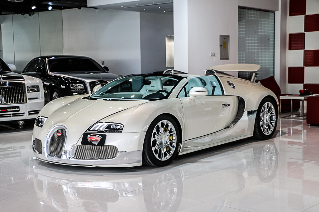 Stunning White And Chrome 2013 Bugatti Veyron Grand Sport