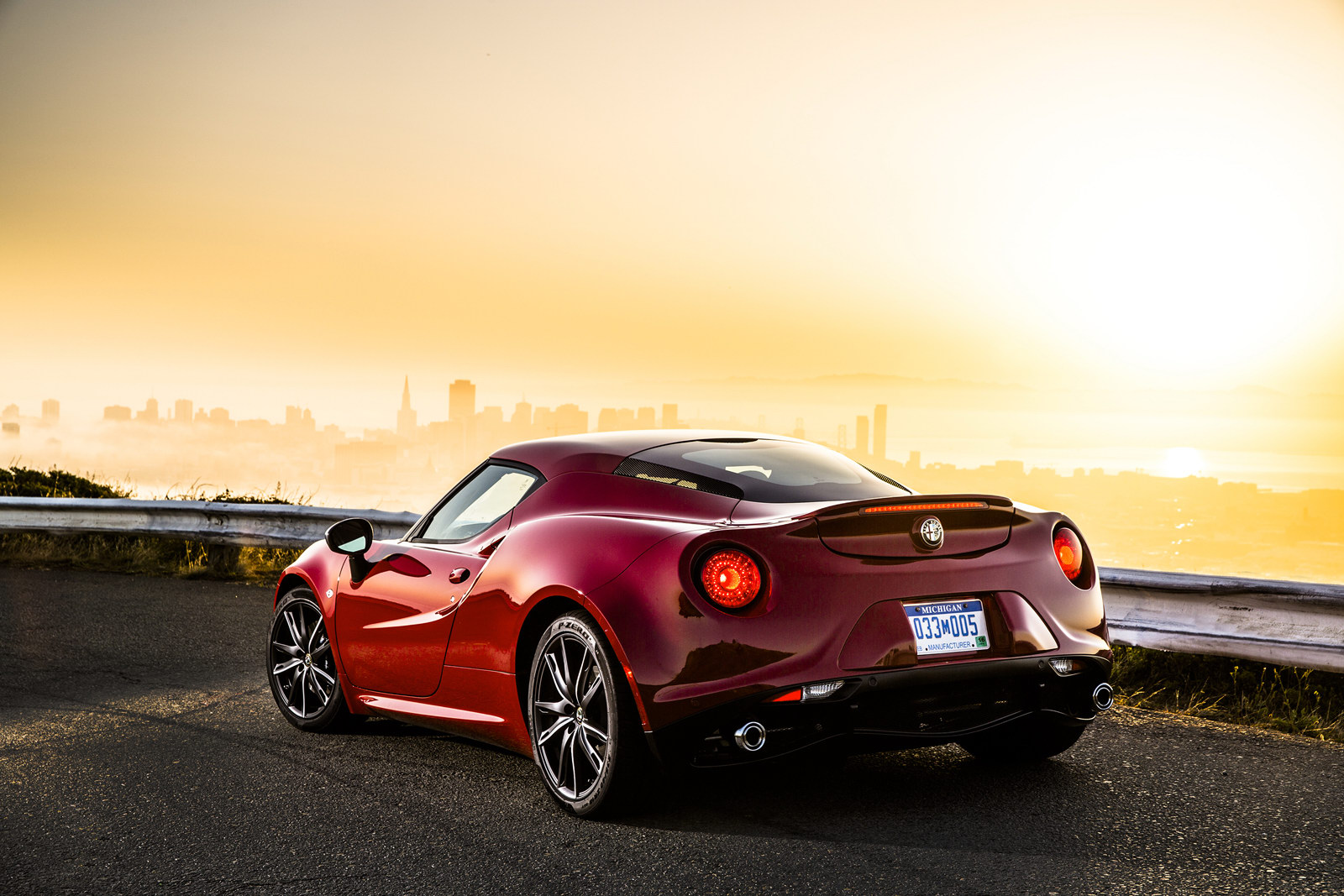 Manual Alfa Romeo 4C Won't Be Offered - GTspirit