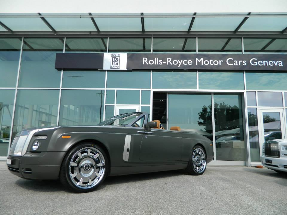 Matte Military Green Rolls-Royce Phantom Drophead - GTspirit