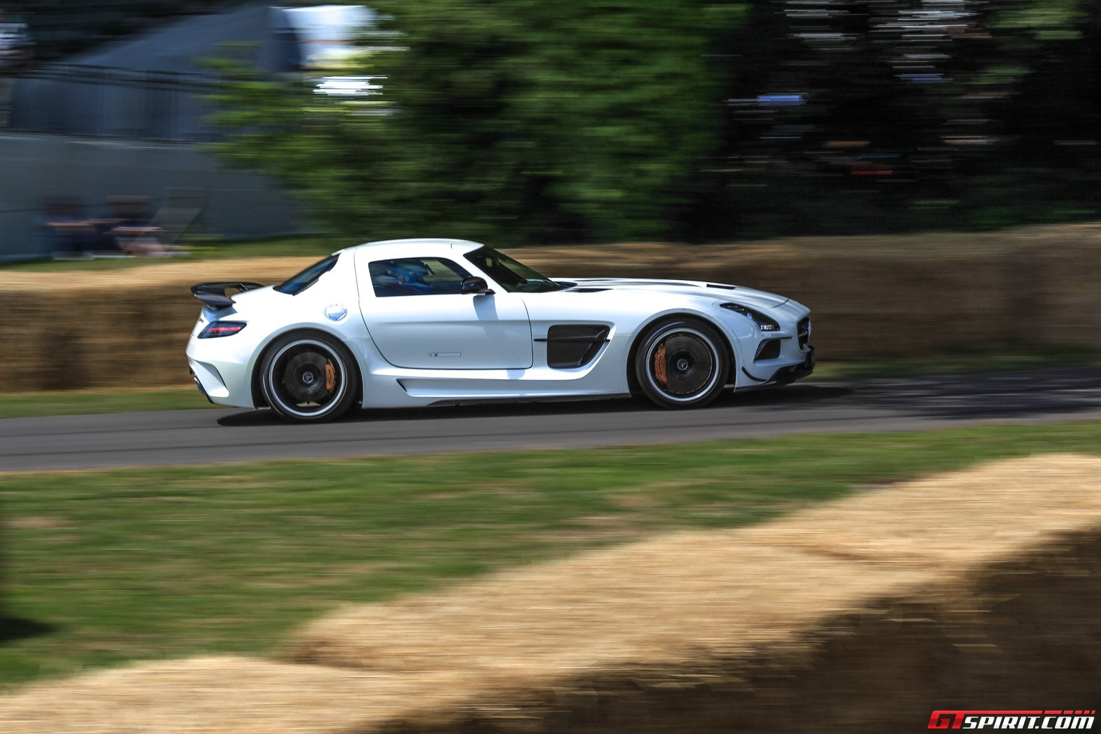 video goodwood fos hillclimb onboard a mercedes sls amg black series. Black Bedroom Furniture Sets. Home Design Ideas