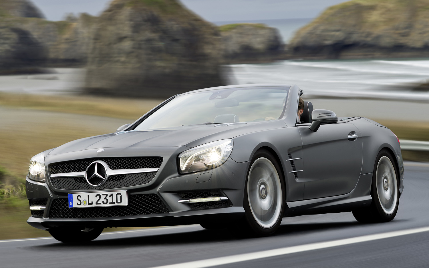 select 2014 mercedes benz sl and slk models recalled. Black Bedroom Furniture Sets. Home Design Ideas