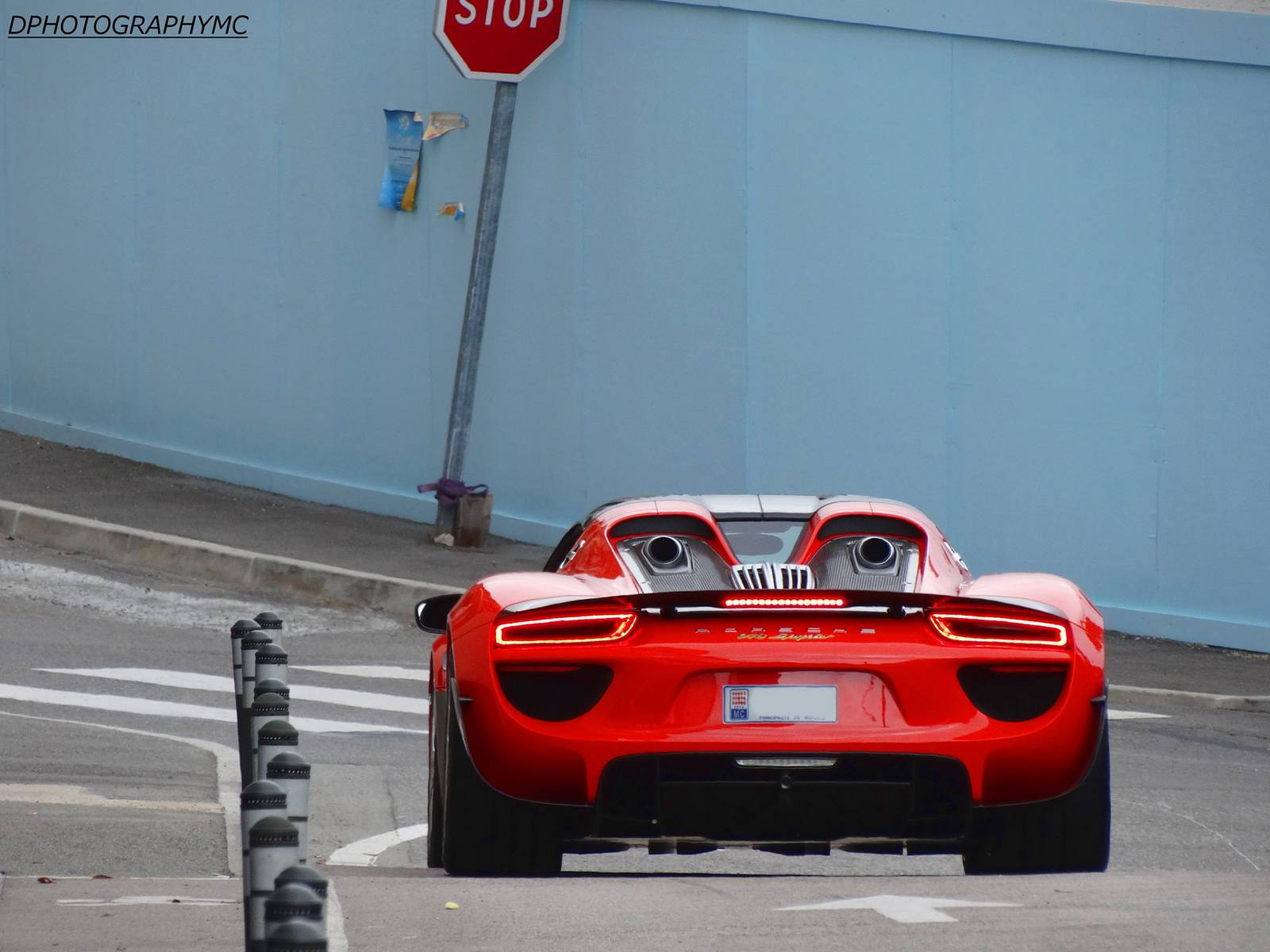 red porsche 918 spyder spotted in monaco gtspirit. Black Bedroom Furniture Sets. Home Design Ideas