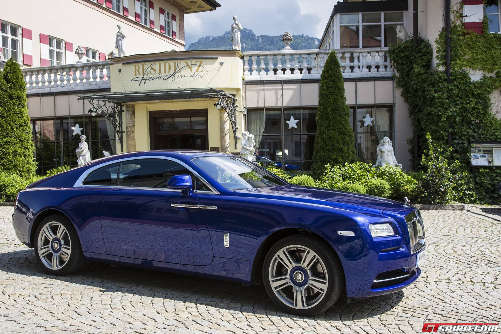 Special Report: Rolls-Royce Wraith, Ghost and Phantom ...