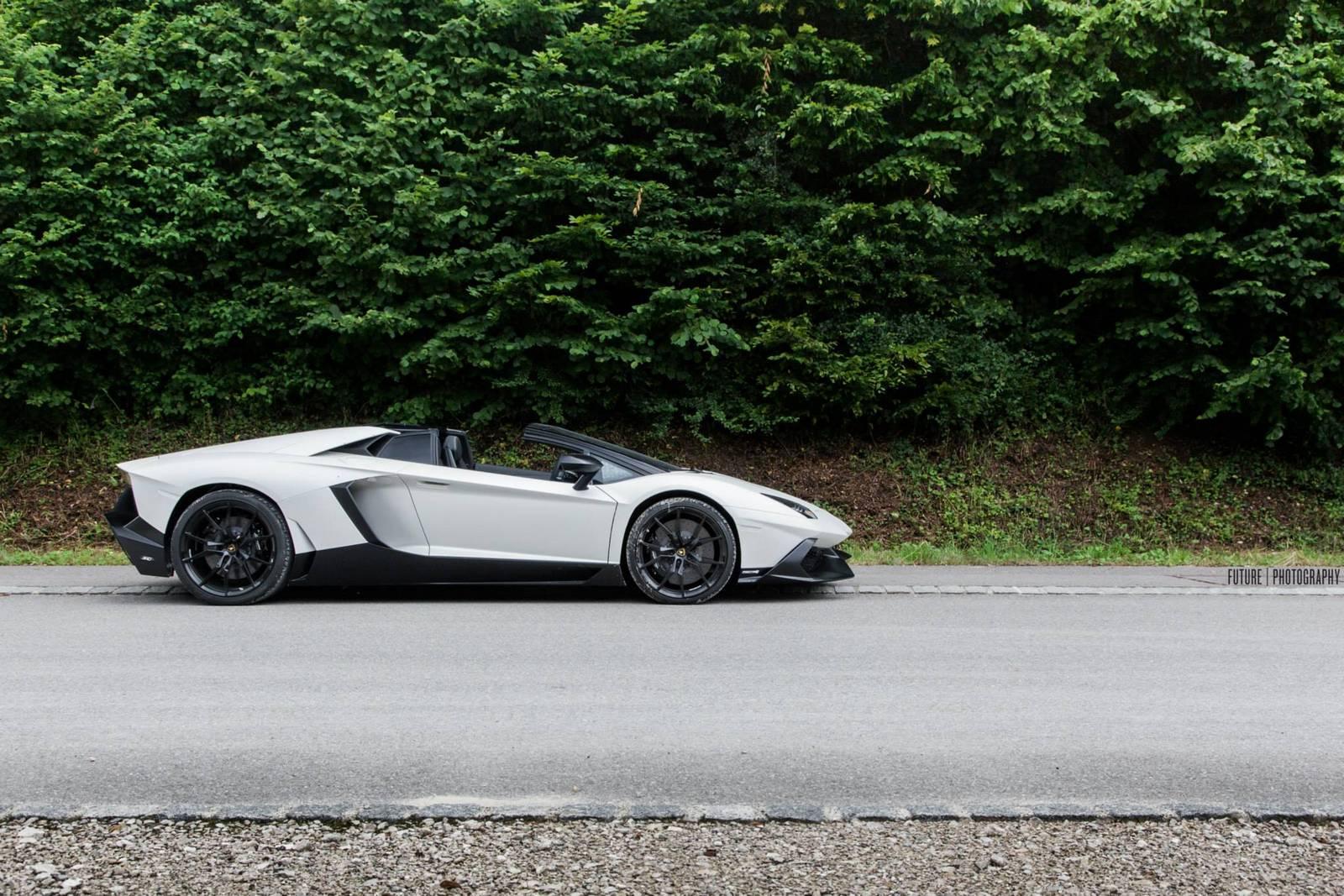 Bianco Lamborghini Aventador 50th Anniversario Roadster