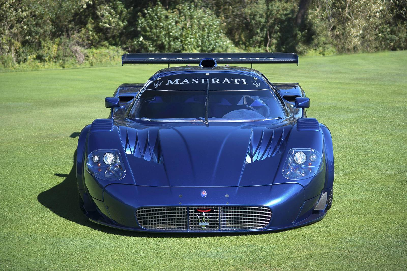 monterey 2014 street legal maserati mc12 corsa gtspirit. Black Bedroom Furniture Sets. Home Design Ideas