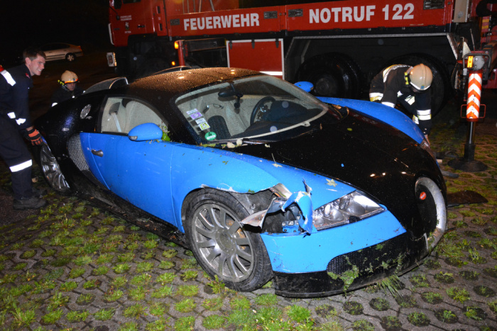 Crashed Bugatti Veyron for Sale at $252,760