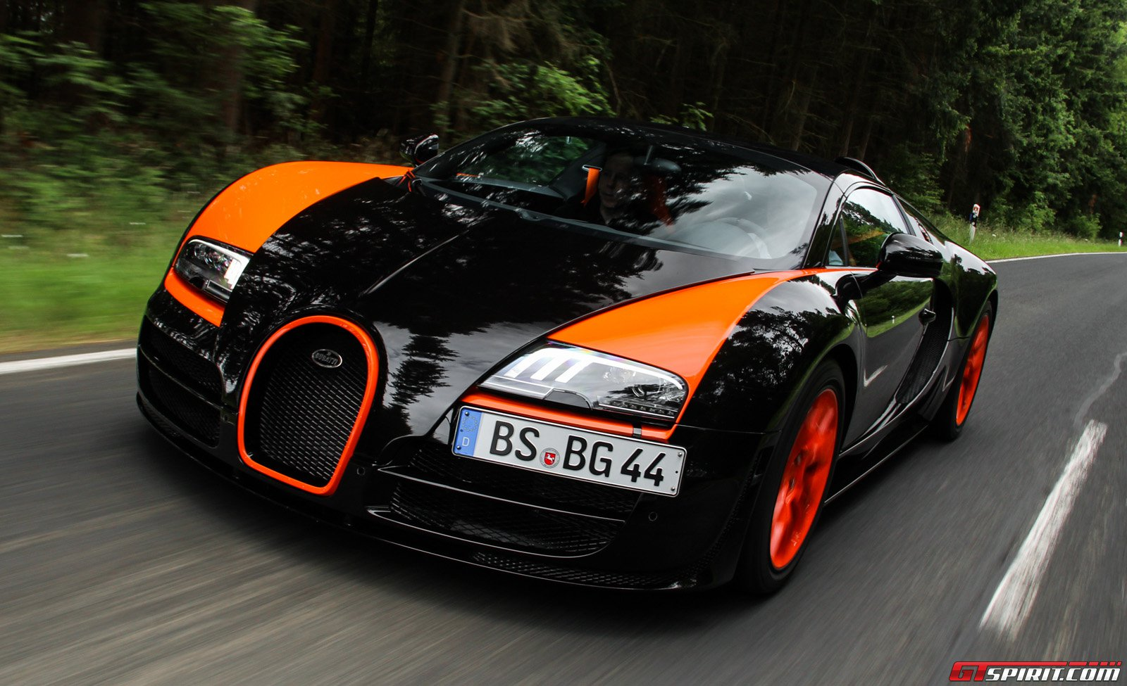 bugatti veyron grand sport vitesse world record car review. Black Bedroom Furniture Sets. Home Design Ideas