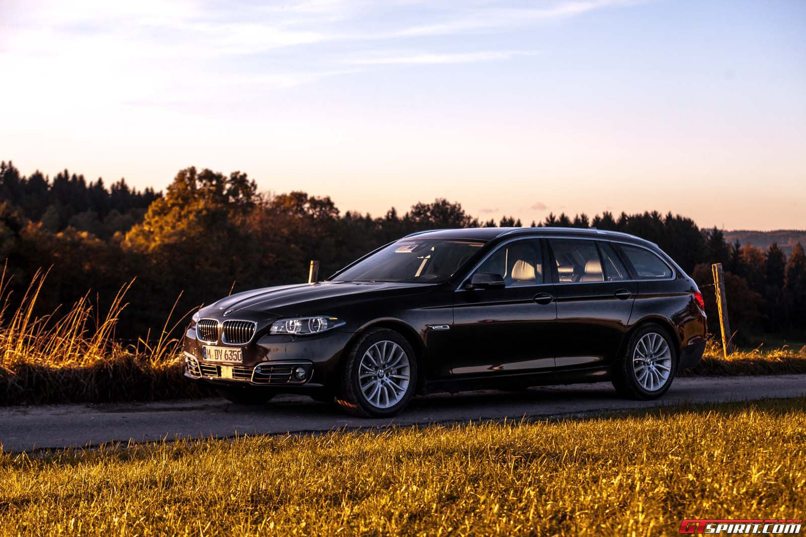2016 bmw 530d touring review gtspirit. Black Bedroom Furniture Sets. Home Design Ideas