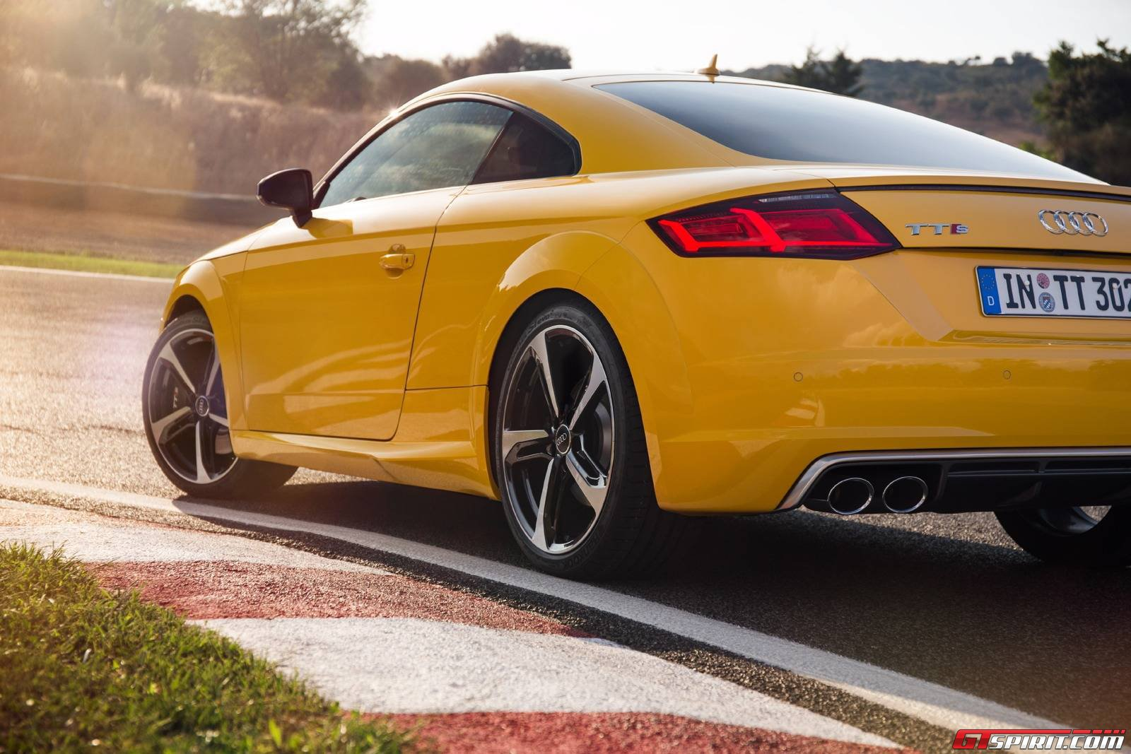 2015 audi tt audi tts review gtspirit. Black Bedroom Furniture Sets. Home Design Ideas