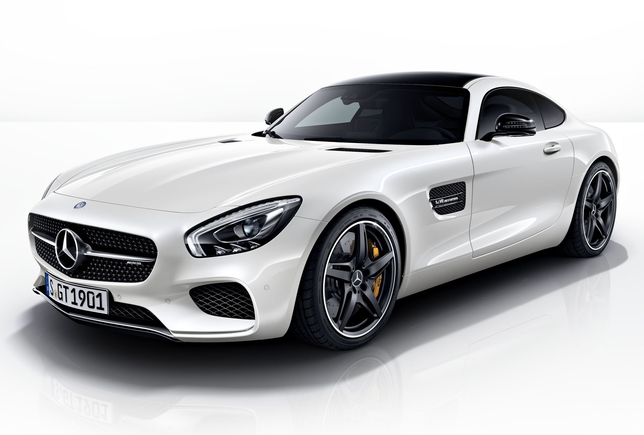 official 2015 mercedes amg gt night package gtspirit. Black Bedroom Furniture Sets. Home Design Ideas