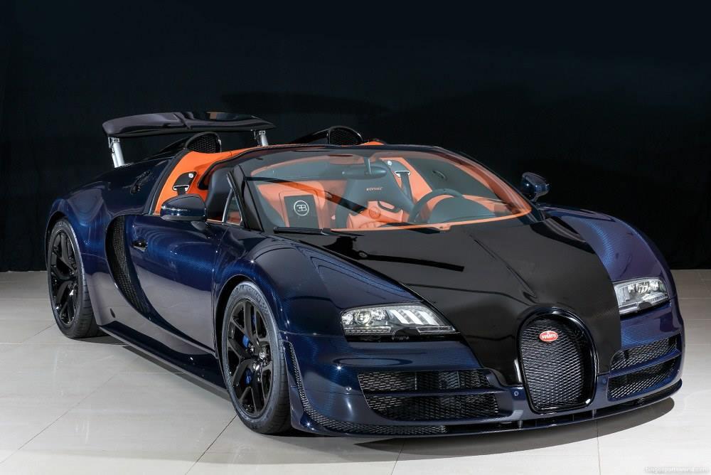 For Sale: Unique Blue Carbon Bugatti Veyron Vitesse in Japan ...