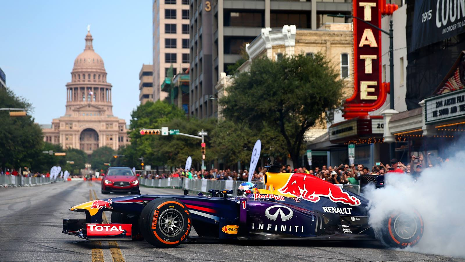 infiniti red bull racing takes f1 action to austin streets gtspirit. Black Bedroom Furniture Sets. Home Design Ideas