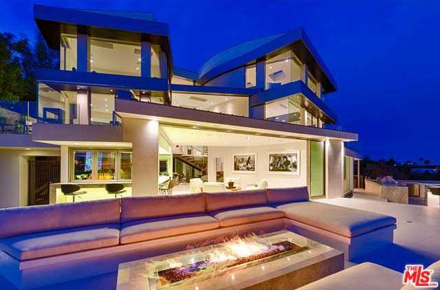 Lavish 24 million house for sale in hollywood hills 39 bird for Luxury homes in hollywood hills
