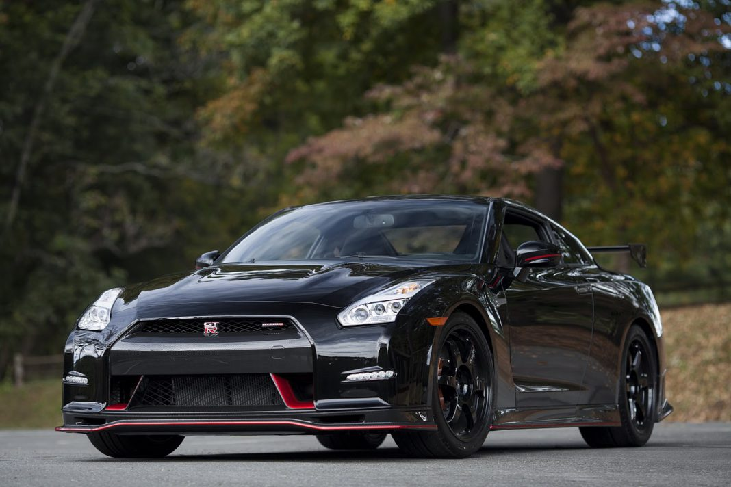 nissan gt r nismo sold out in u s for 2015 gtspirit. Black Bedroom Furniture Sets. Home Design Ideas