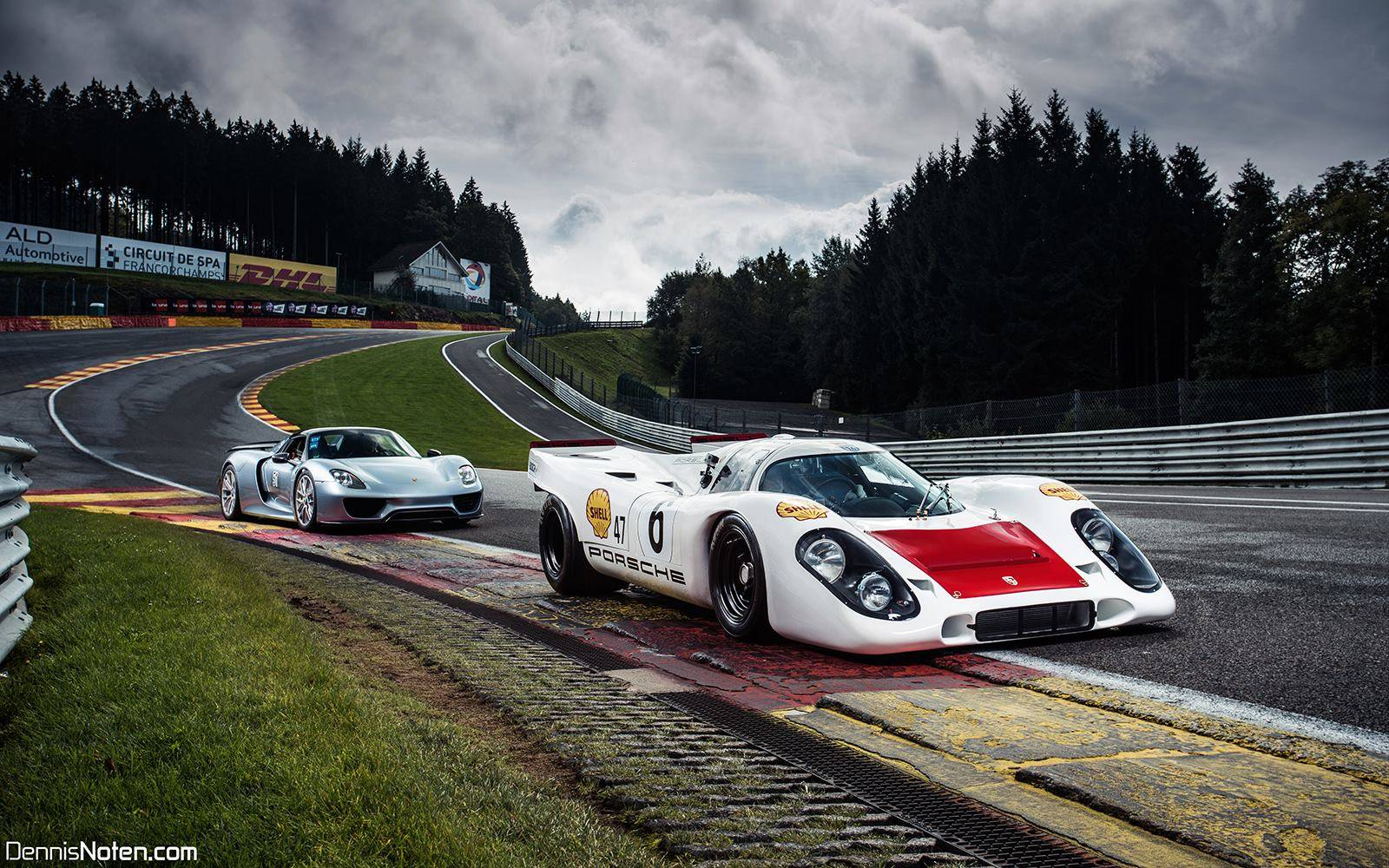 photo of the day porsche 917 and 918 spyder at eau rouge. Black Bedroom Furniture Sets. Home Design Ideas