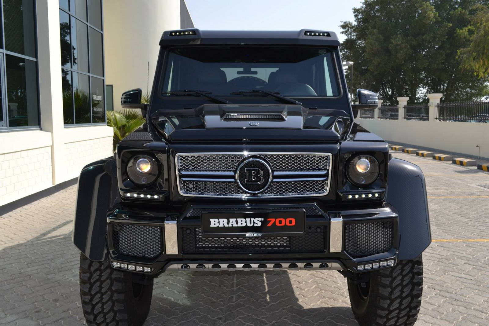 Gallery black brabus 700 g63 6x6 gtspirit for Mercedes benz g63 for sale