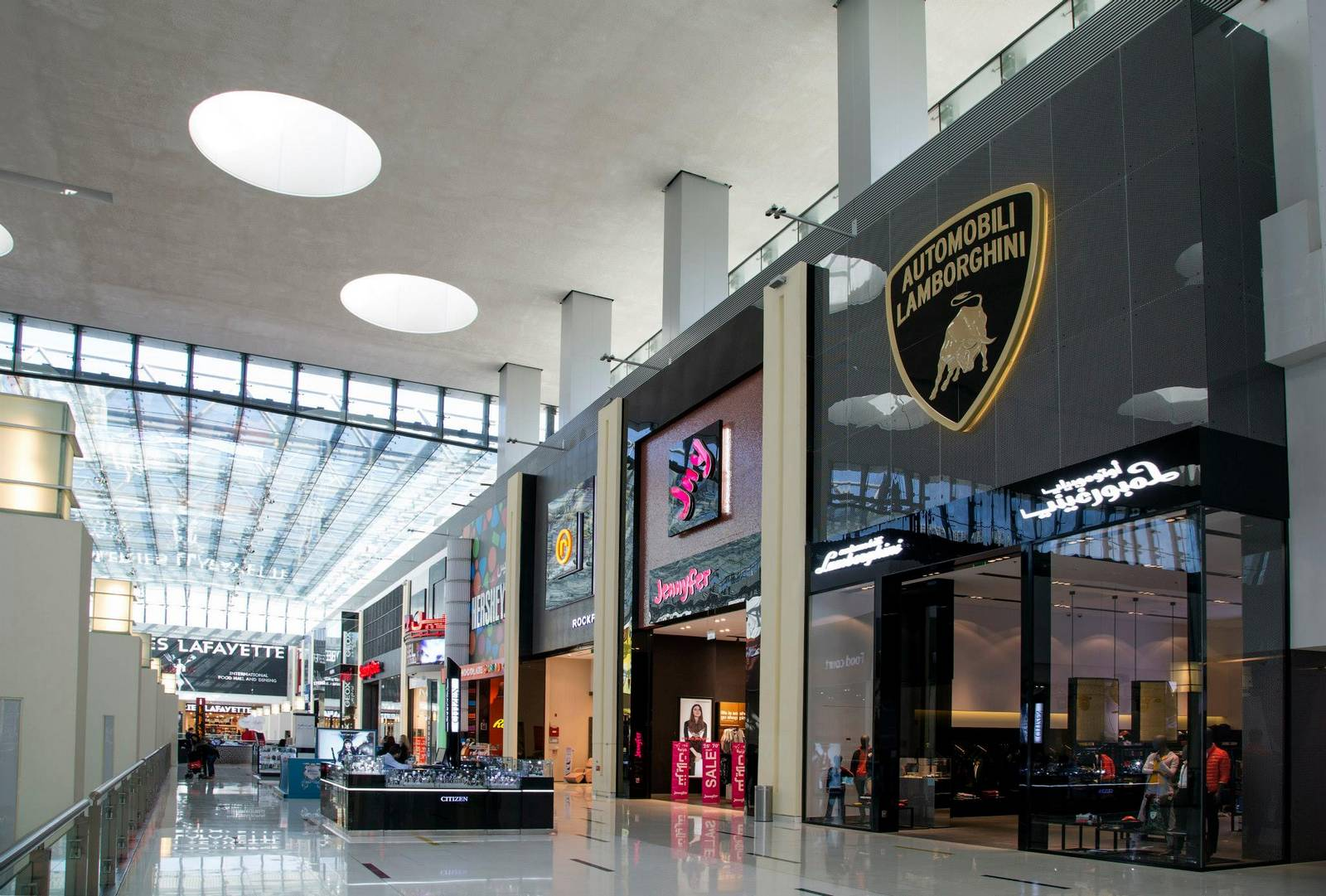 lamborghini opens new fashion boutique at the dubai mall