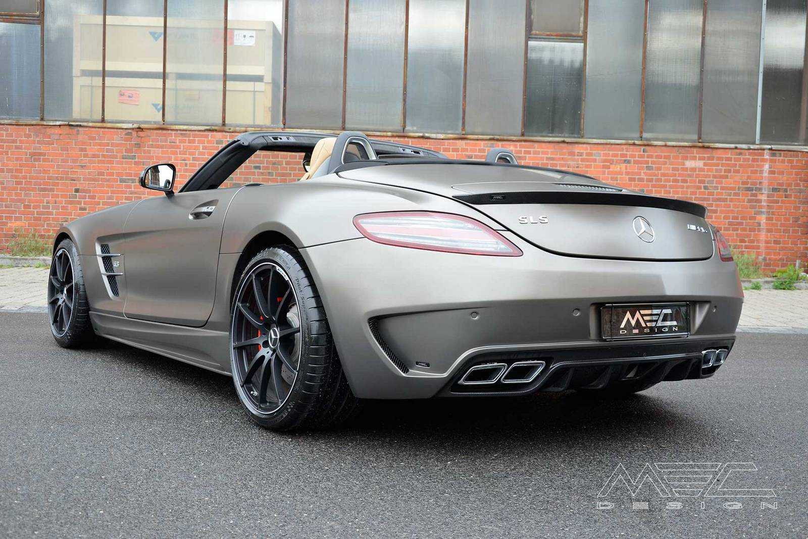 Monza grey matte mercedes benz sls amg roadster by mec for Matte mercedes benz