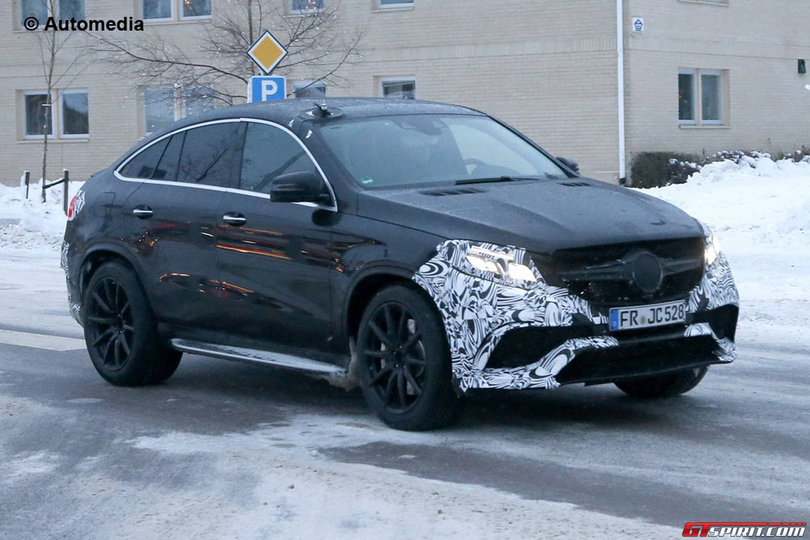 Spyshots white and black mercedes benz gle63 amg coupe for Mercedes benz gle63