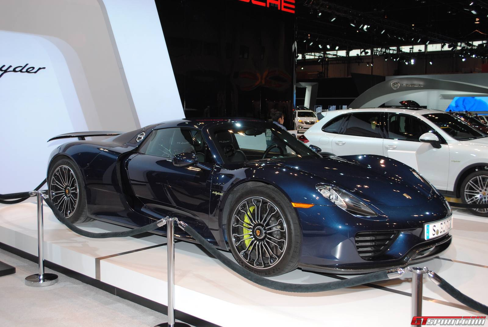 porsche highlights at the chicago auto show 2015 gtspirit. Black Bedroom Furniture Sets. Home Design Ideas