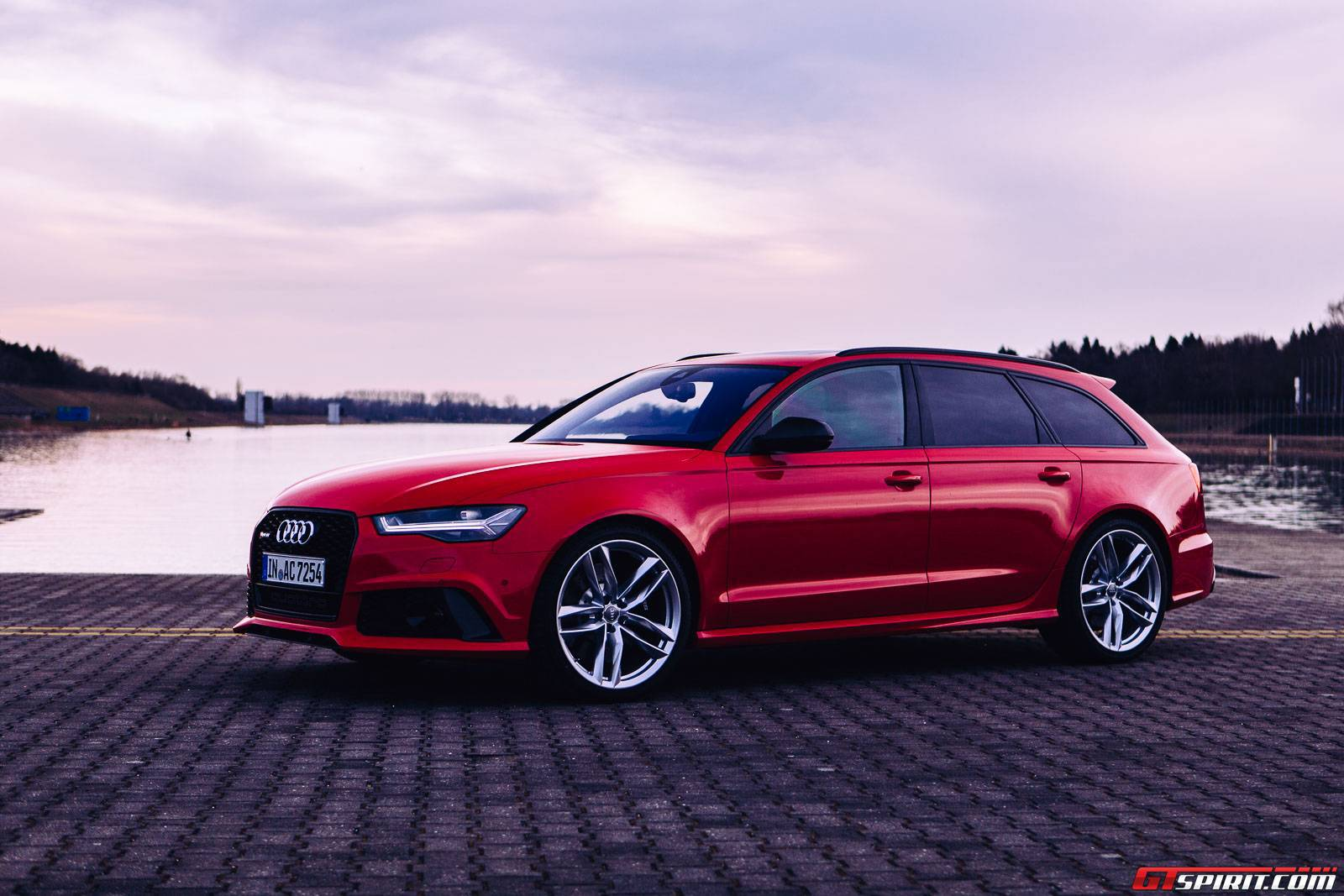 2016 audi rs6 avant review gtspirit. Black Bedroom Furniture Sets. Home Design Ideas