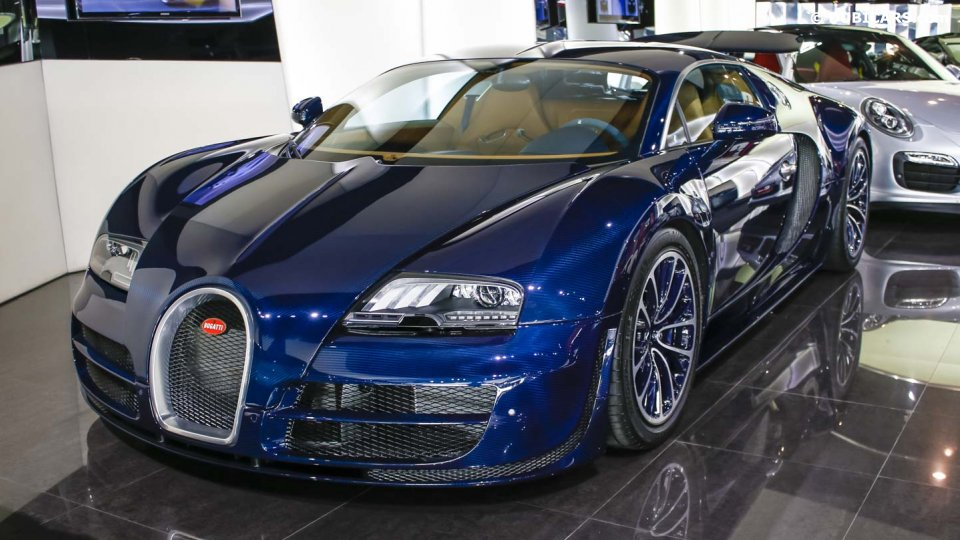 unique blue carbon bugatti veyron super sport sold in. Black Bedroom Furniture Sets. Home Design Ideas