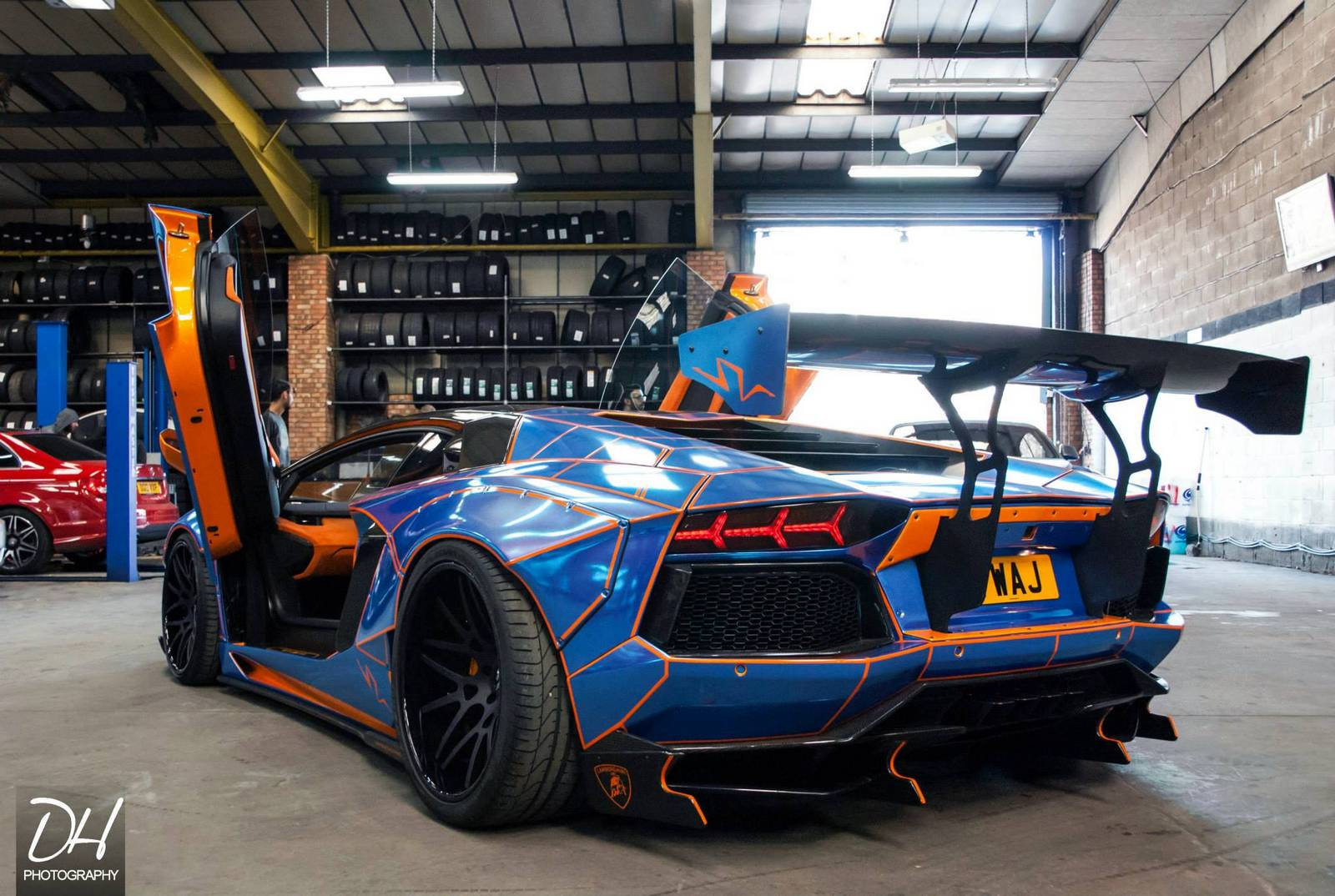 900bhp Tron Lamborghini Aventador With Liberty Walk Kit