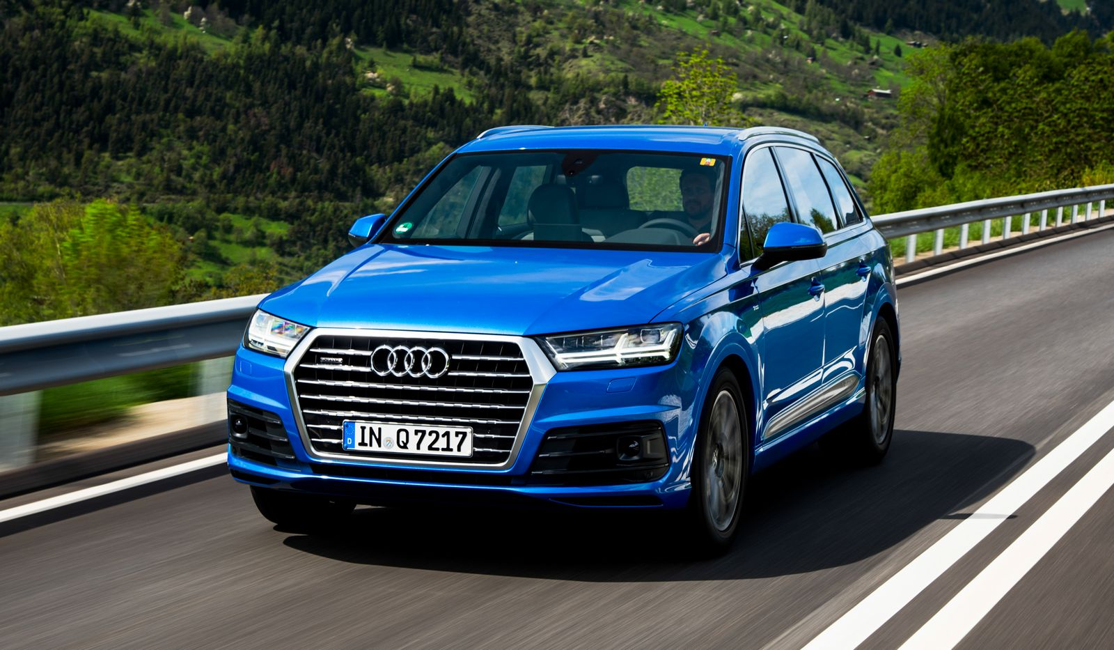 Audi 2016 audi q7 : 2016 Audi Q7 Review - GTspirit