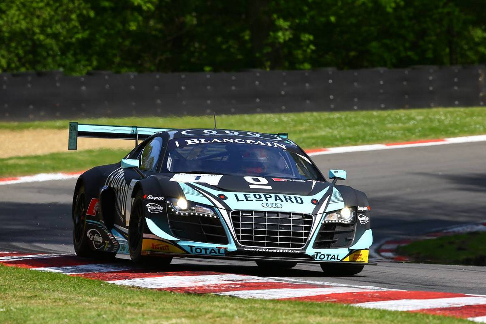 Blancpain Gt Audi Wins At Brands Hatch As Bentley